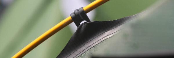 Zelstange mit Aufhänger im Detail